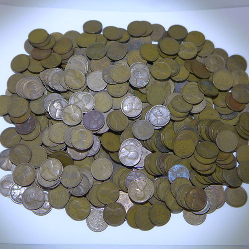500 Lincoln Wheat Cents all from the 1920's, Mixed Dates and Mint Marks.